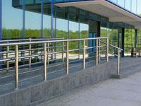 Галерея объектов: лестничные ограждения для транспортных предприятий